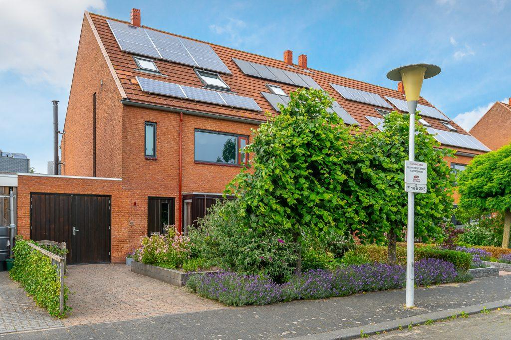 Hoekwoning-Stadshagen-Zwolle Peermos 3 Zwolle - Voorst Makelaardij